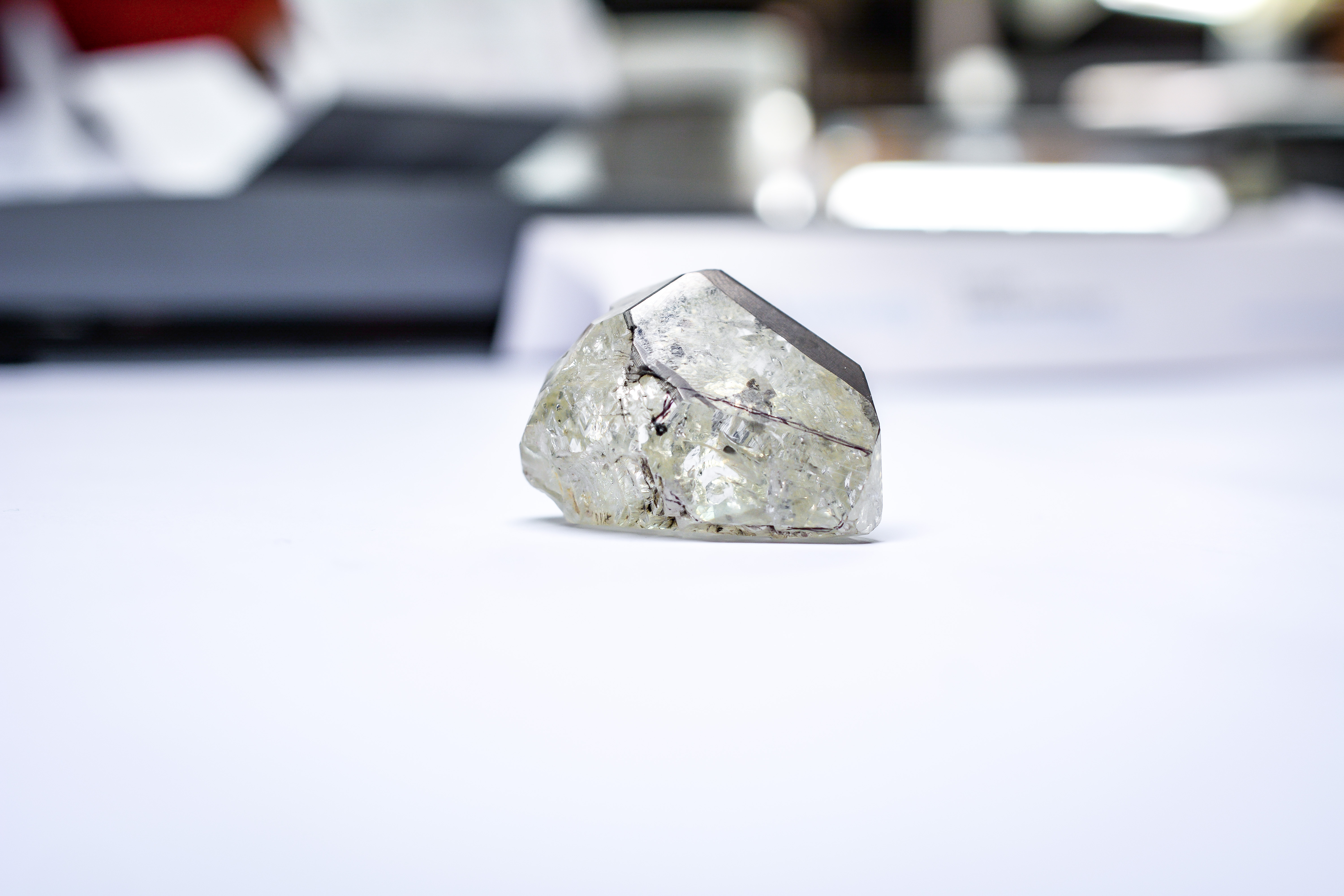 Global Diamond Production Falls 2% to 148 2M Carats in 2018