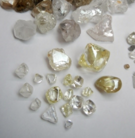 Lucapa's 2017 Rough Diamond Sales Tumble as Prices and Large