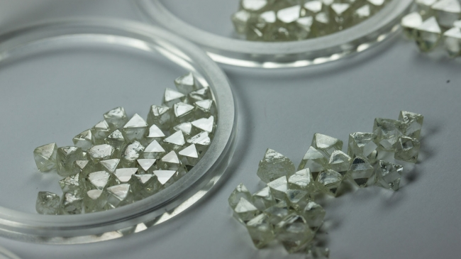 Alrosa's Rough Diamond Sales Continue Downward Spiral in July