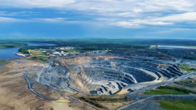 Alrosa's H1 Diamond Production Grows While Sales Slump